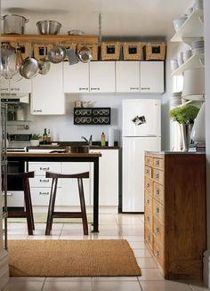 Diff size wall cupboards, like it