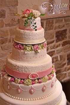 Hochzeitstorte 53, 7 stöckige Hochzeitstorte kombiniert aus Genus und ...