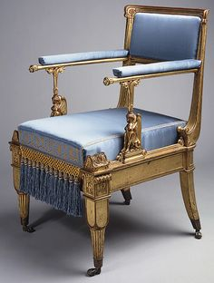 This Empire Style chair from is in The Metropolitan Museum of Art. It has colors and upholstery that of empire style. With many characteristics mirroring Napoleon style as well. Antique Furniture For Sale, European Furniture, Vintage Furniture, Furniture Styles, Fine Furniture, Furniture Design, Muebles Art Deco, Style Empire, Empire Furniture
