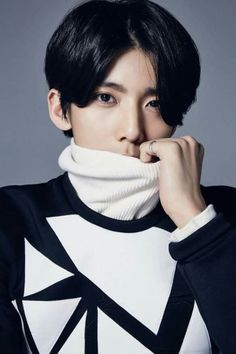 Hwiyoung 휘영 Kim Youngkyun김영균 May 11 1999 Rapper Dancer