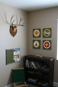 camping themed boys rooms - colors..