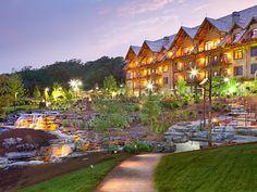 https://bluegreenowner.com/MS/ResortImages/BGWC_0016_18.jpg Fancy lodge walkway and pool