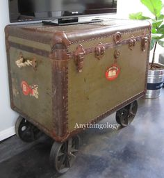Möbel & wohnen Anythingology: Ghosts and Vintage Steamer Trunk Turned Media Cabinet -------------- g Old Trunks, Vintage Trunks, Trunks And Chests, Antique Trunks, Trunk Redo, Trunk Makeover, Repurposed Furniture, Home Decor Furniture, Painted Furniture