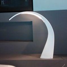 Una vera e proprio scultura con luce led integrata, what else?