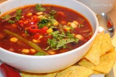Mexická zeleninová polievka Chana Masala, Thai Red Curry, Chili, Food And Drink, Pizza, Ethnic Recipes, Soups, Mexico