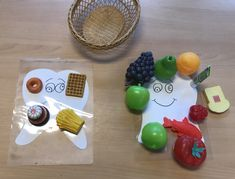 Gezond en ongezond Stage, Restaurant, Fruit, School, Kids, Young Children, Boys, Children, Schools