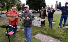 Union members honor Tacoma author of labor anthem 'Solidarity Forever'