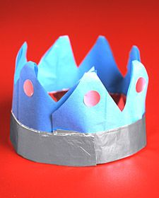 By adding a simple prop like this crown, what children do in the #Dramatic_Play area of a #Creative_Curriculum for #Preschool classroom changes.