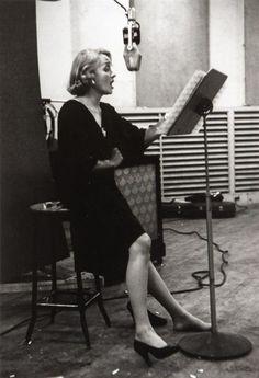 MARLENE DIETRICH, RECORDING SESSION, NEW YORK, 1952, EVE ARNOLD