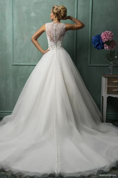 so amazing vintage lace wedding dress,love the backless lace wedding dress #myweddingnow.com #my_wedding_now #Top_Lace_Wedding_Dress #Wedding_Dress #Simple_Lace_Wedding_Dress #easy_Lace_Wedding_Dress #Best_Lace_Wedding_Dress #Lace_Wedding_Dress