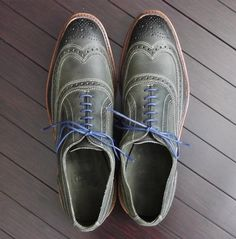 These Allen Edmonds are amazingly made and would look great on your groom or his groomsmen. Multiple colors!