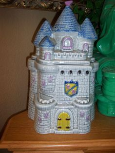 Castle Cookie Jar made in USA by Treasure Craft