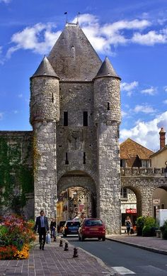 Samois Door, Moret-Sur-Loing, France | Incredible Pics    ᘡղbᘠ