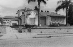 Residência Arquitetura Modernista Arquiteto Romeu Paulo da Costa (construção 1949) - Almoço Restaurante Filé Curitibano at Rua da Paz, 54, Curitiba - PR, 80060-160, Brasil, Curitiba
