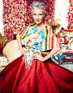 No-one is too old for fairytales at Desigual! Our clothes are for the young and the young-at-heart. Beautiful Women Over 50, Beautiful Old Woman, Amazing Women, Beautiful People, Alicia Borras, Mature Fashion, Advanced Style, Ageless Beauty, Going Gray