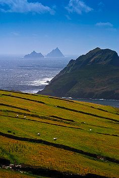 The extraordinary Skellig Islands (in the distance), home to the ancient monastery, Skellig Michael,in County Kerry IRELAND Places Around The World, Oh The Places You'll Go, Places To Travel, Places To Visit, Around The Worlds, All Nature, Amazing Nature, Ireland Travel, Scotland Travel
