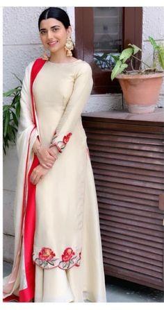 Punjabi Suits Designer Boutique, Indian Designer Outfits, Pakistani Outfits, Indian Outfits, Stylish Dresses, Fashion Dresses, Dress Design Sketches, Embroidery Suits Design, Indian Gowns Dresses