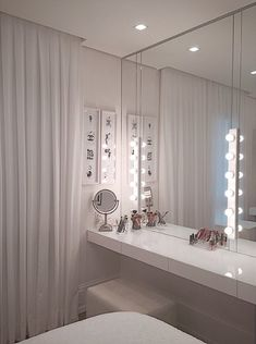 ✨ What a perfect interior design. And what a beautiful place to place - Schlafzimmer - Beauty Room Girl Bedroom Designs, Room Ideas Bedroom, Bedroom Decor, Teenage Room Designs, Bedroom Furniture, Makeup Room Decor, Makeup Rooms, Sala Glam, Glam Room
