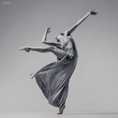 dancer Masha Abashova • photo by Vadim Stein 2015-03-18 (Saint Petersburg, Russia) via Behance 24601323