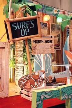 Ethan's Surf Shack Themed Party – Stage Setup Aloha Party, Luau Party, Beach Party, Luau Birthday, 1st Birthday Parties, Surfer Party, Homecoming Themes, Hawaian Party, Hawaiian Theme