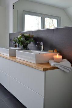 Unser Ikea-Hack macht aus – home acssesories Ikea Hack Bathroom, Kitchen Ikea, Small Bathroom, Bathroom Ideas, Budget Bathroom, Ikea Furniture, Bathroom Furniture, Wooden Furniture, Diy Closets