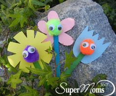 Petal Pals - Say hello to spring with these cute, easy-to-make puppets. Tags: Spring Craft for Kids | easter crafts for kids | cute spring crafts | simple spring craft | cute crafts for kids | easy crafts for kids | SuperMoms360.com