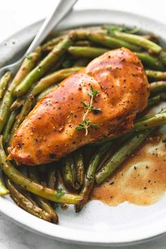 Easy and healthy one pan creamy balsamic chicken & green beans has incredible flavors with tender, juicy chicken and crisp green beans.