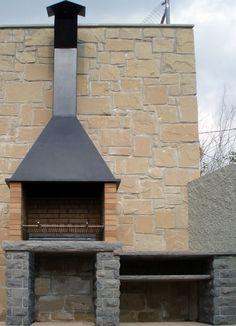 New Patio Fireplace Grill Brick Bbq 35 Ideas Small Brick Patio, Brick Bbq, Outdoor Barbeque, Outdoor Oven, Outdoor Fireplace Designs, Backyard Fireplace, Design Barbecue, Parrilla Exterior, Backyard Buildings