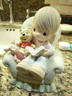 """Florida Disneyland , US - """"Winnie the Pooh and Piglet"""" It's only available in Walt Disney World and Disneyland. Disney Precious Moments, Precious Moments Quotes, Precious Moments Figurines, Walt Disney World, Disney Home, Biscuit, Disney Treasures, Clay Figures, Pooh Bear"""