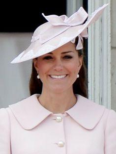 Kate Middleton  http://www.be.com/beaute/photos/parcours-beaute-middleton-1486771/middleton-avril-2011-1608653#photo