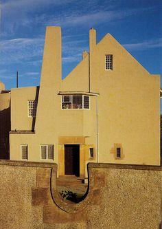 Images of HIll House by Charles Rennie Mackintosh. Art Nouveau Architecture, Historical Architecture, Architecture Details, Modern Architecture, Charles Rennie Mackintosh, Art Deco, Art Nouveau Design, Bauhaus, Mackintosh Design