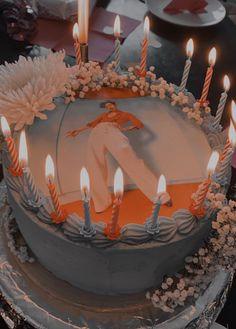 One Direction Birthday, Harry Styles Birthday, Harry Birthday, Harry Styles Baby, Harry Styles Pictures, 14th Birthday, One Direction Cakes, Pretty Birthday Cakes, Cute Birthday Cakes