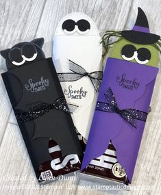 Halloween Candy Bar Holder – Create with Lynn halloween manualidades Halloween Candy Crafts, Halloween Treat Holders, Dulceros Halloween, Halloween Cards, Holidays Halloween, Halloween Treats, Halloween Decorations, Halloween Party Favors, Halloween Appetizers