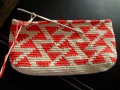 Best 12 Crochet side bag pattern pdf with graph and by PasoaPasoCrafts – SkillOfKing. Crochet Clutch Bags, Crochet Wallet, Crochet Purses, Diy Crafts Crochet, Crochet Projects, Tapestry Crochet Patterns, Knitting Patterns, Magazine Crochet, Beau Crochet