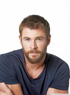 Male Fashion Trends: Chris Hemsworth, el chico normal de Hollywood para Esquire Latinoamérica