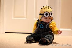 Minion costume for baby. Super cute idea with Halloween coming up!