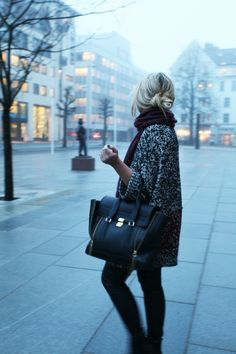 Big sweater and bag