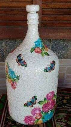 1 million+ Stunning Free Images to Use Anywhere Painted Glass Bottles, Recycled Glass Bottles, Glass Bottle Crafts, Diy Bottle, Painted Wine Glasses, Wine Bottle Vases, Mosaic Diy, Vintage Bottles, Bottle Painting