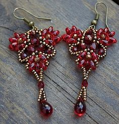 TUTORIAL - Pomegranate, earrings & beaded element with Super Duo beads