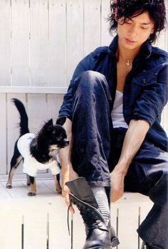 Mizushima Hiro. Lol. This little dog though.