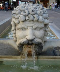 fountain - Carpentras, France