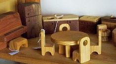 dollhouse furniture by Carla de Jong