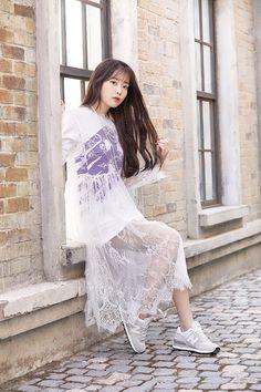 Korean Girl, Asian Girl, Kpop Fashion, Asian Fashion, Catio, Korean Celebrities, Poses, Korean Actresses, Queen