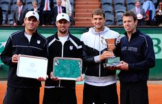 Mens' doubles runners-up Bob Bryan and Mike Bryan with champions Max Mirnyi and Daniel Nestor.