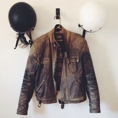 The company dress code! - creative advertising and marketing in vintage leather biker jacket Cuir Vintage, Mode Vintage, Vintage Leather, Leather Men, Leather Jacket, Jacket Men, Modern Hepburn, Biker Gear, Diy Vetement
