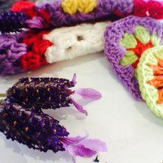 Lavender and...#wildaboutyarn #circles #motifs #flowers #daisyflowers #lavender #herbs  #squares #ilovegrannysquares #dowhatyoulove #grannysquares  #crochet #crochetaddict  #häken  #blanket  #yarn  #homedecor  #croche #crochetblanket  #crochetlove  #igcrocheting  #design #handmade  #yarnaddict #ilovecrochet  #accessories  #colourful  #instacrochet #inspiration by wildaboutyarn