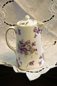 Hammersley Victorian Violets Syrup Pitcher Vintage Dishes, Vintage China, Vintage Teacups, Antique Dishes, Sweet Violets, China Painting, All Things Purple, Chocolate Pots, China Patterns