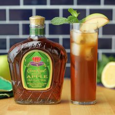 Boozy Apple Sweet Tea Get game day right with this smooth apple sweet tea. Crown Royal and basketball — perfect!<br> Get game day right with this smooth apple sweet tea. Crown Royal and basketball — perfect! Summer Drinks, Cocktail Drinks, Fun Drinks, Cocktail Recipes, Alcoholic Drinks, Bourbon Drinks, Beverages, Bebida Mojito, Tea Recipes
