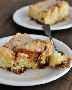 Cinnamon Roll Cake - easy, delicious and a total crowd pleaser. Plus, what's better than cinnamon rolls in cake form?