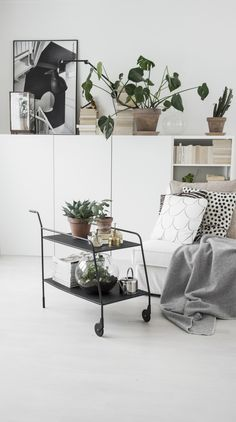 Looking to decorate your new home and seeking thematic inspiration? We're covering 35 interior design ideas that are popular in modern homes. Living Room Inspiration, Interior Design Inspiration, Home Decor Inspiration, Decor Ideas, Decorating Your Home, Interior Decorating, Decorating Ideas, Decor Scandinavian, Up House